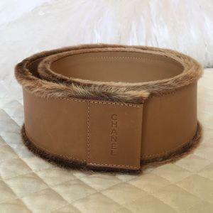Chanel leather & fur belt w double logo on back